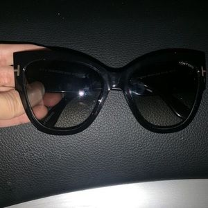 Tom Ford sunglasses worn once